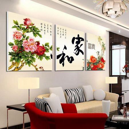 客厅装饰挂画的讲究和风水禁忌!